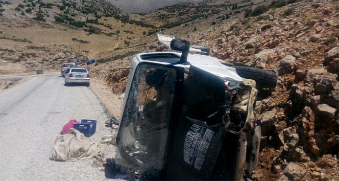 Piknik yolunda feci kaza: 2 ölü, 8 yaralı