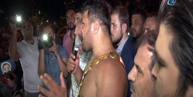 Kırkpınar'ın şampiyonu 'altın kemerle' demokrasi şöleninde