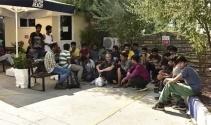 51 kaçak göçmen denizin ortasında yakalandı
