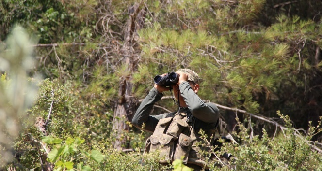 Darbeci askerlerden 10u daha yakalandı
