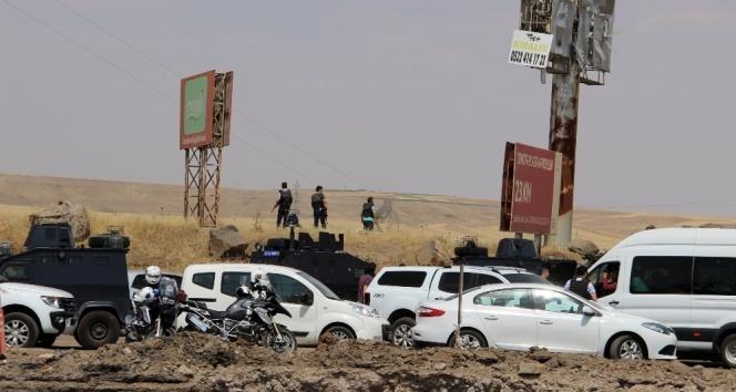Diyarbakır Valiliği: Saldırıda 5i polis, 7 kişi şehit oldu, 45 kişi yaralandı