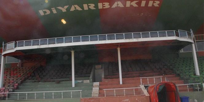 Diyarbakır'da yarım asırlık stat yıkılıyor