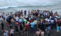 Karadeniz'in dev dalgaları iki kişiyi yuttu