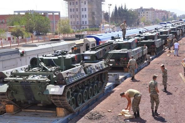 İstanbul 2. Zırhlı Tugay Komutalığı'ndaki tanklar İslahiye'ye taşınıyor