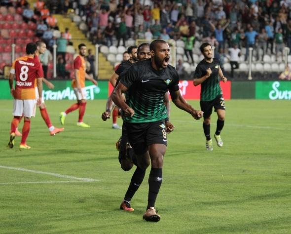 Akhisar Belediyespor- Galatasaray maçından kareler