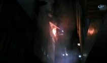Küçükçekmecede tekstil deposunda yangın çıktı