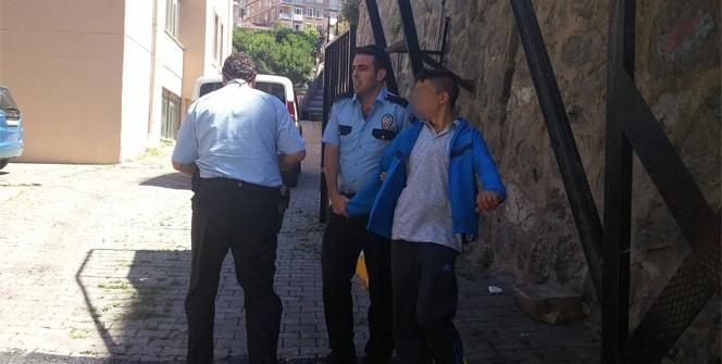 İstanbul'da polis ile kapkaççılar arasında nefes kesen kovalamaca