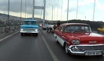 """Klasik otomobillerle """"Zafer ve Demokrasi"""" konvoyu"""
