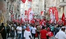 Yüzlerce vatandaş 30 Ağustosta bir araya geldi