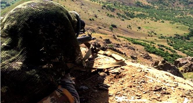 Operasyona çıkan askere teröristler tarafından ateş açıldı