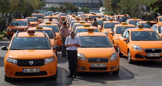 İçişleri Bakanlığı, yolcuyu mağdur eden taksici sorununa el koydu