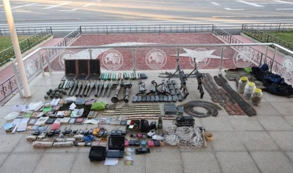İşte TSK'nın Tatvan'da ele geçirdiği silah ve mühimmatlar