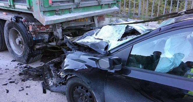 Trabzonda trafik kazas�: 2 �l�, 2 yaral�