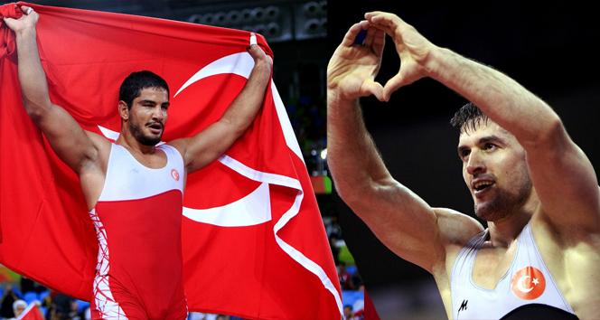 Akgül ve Çebi dünyanın en iyi güreşçileri seçildi