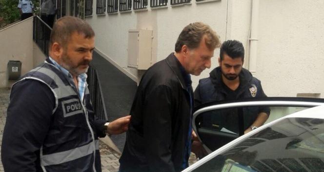 Eski futbolcu İsmail Demiriz Bakırköyde gözaltına alındı