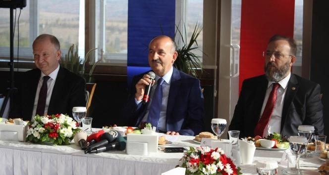 Bakan Müezzinoğlu: Emeklilere promosyon devletin işi değil