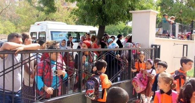 Gaziantepte velilerin okula girişi yasaklandı