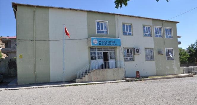 Sincik Atatürk İlkokulunun deprem raporu bekleniyor