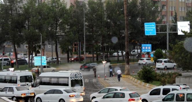 Adıyamanda, şiddetli yağmur ve dolu yağışı
