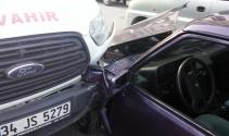 Direksiyon başında uyuyan minibüs şoförü trafiği birbirine kattı