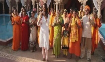Hintliler kaşık havasında oynadı