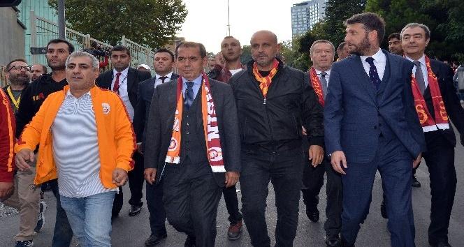 Dursun Özbek'ten sürpriz karar