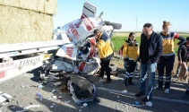 Kazaya giden ambulansa otobüs çarptı: 2 ölü, 5 yaralı