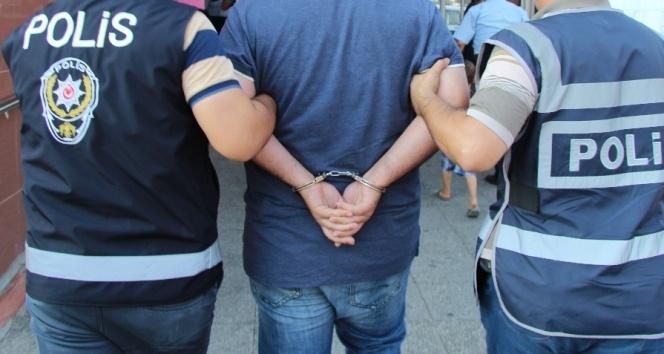 Karamanda cezaevi müdürü FETÖden tutuklandı