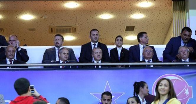 Erdoğan, Cumhurbaşkanlığı Kupası maçında
