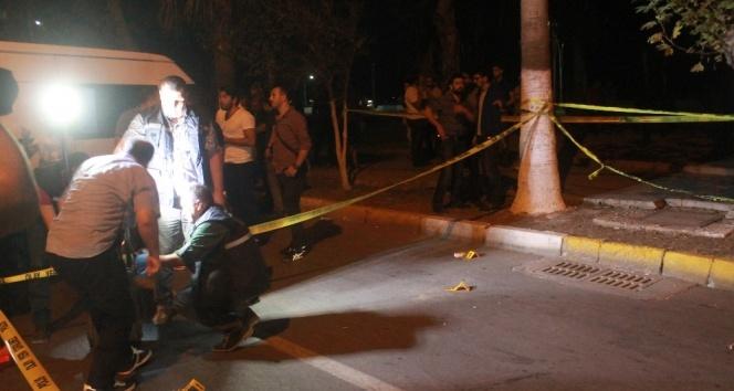 Mersinde polise silahlı saldırı: 3 yaralı