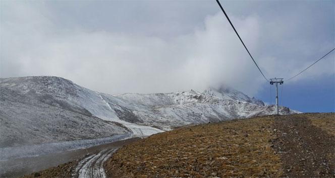 Erciyese kar yağışı