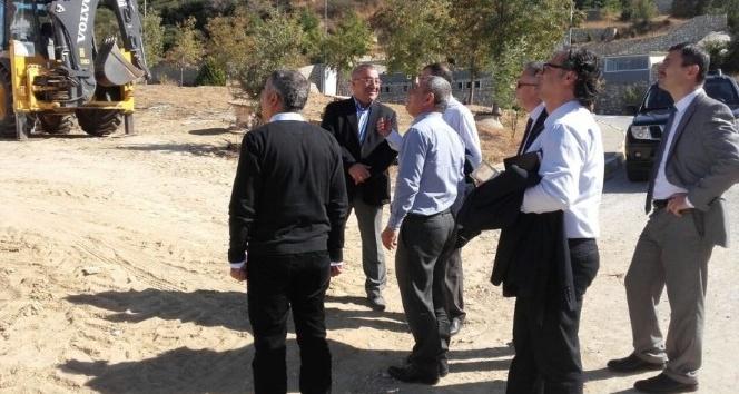 Rektör Acer kampüste incelemelerde bulundu