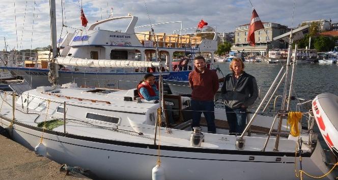 Letonyalı turistler Sinop'a demir attı