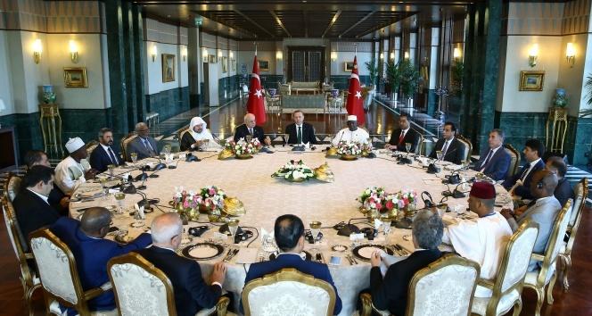 Cumhurbaşkanı Erdoğan, İSİPAB toplantısına katılan meclis başkanlarıyla buluştu