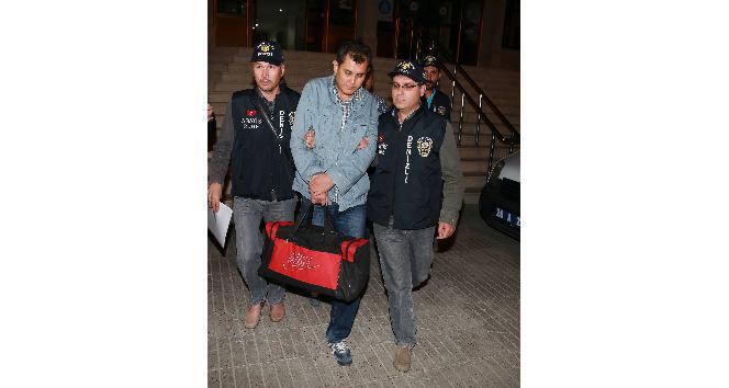 FETÖ operasyonunda evinde 1 milyon dolar bulanan şahıs Ankara'ya sevk edildi