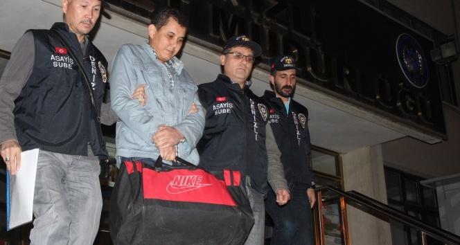 FETÖ operasyonunda evinde 1 milyon dolar bulanan şahıs Ankaraya sevk edildi