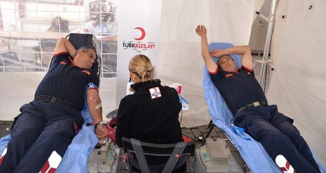 Aydın itfaiyesinden kan bağışına anlamlı destek