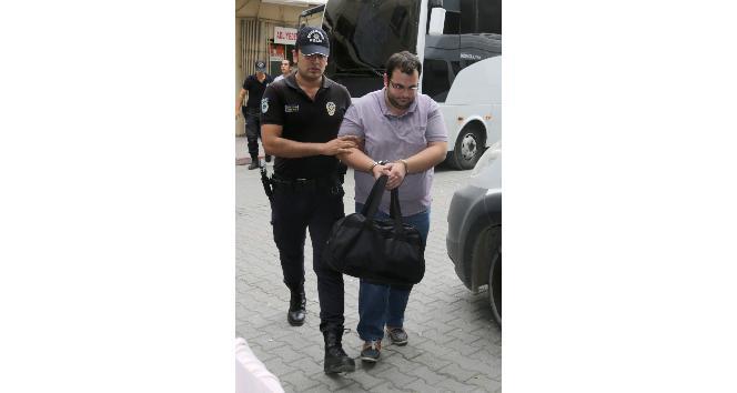 Polisi darp eden 2'si kız 5 öğrenci tutuklandı