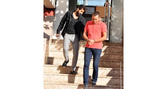 Antalya'da FETÖ'ye şafak operasyonu: 50 gözaltı