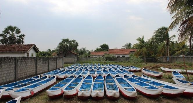 TİKA'dan Sri Lankalı balıkçılara ve çiftçilere ekipman desteği