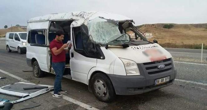 Batman'da servis aracı kaza yaptı: 13 öğrenci yaralı