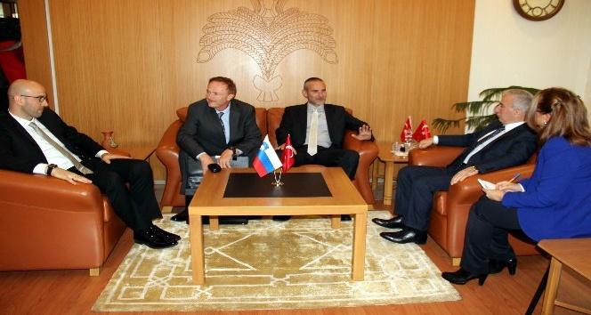 Slovenya Büyükelçisi Jukic Vali Kamçı'yı ziyaret etti