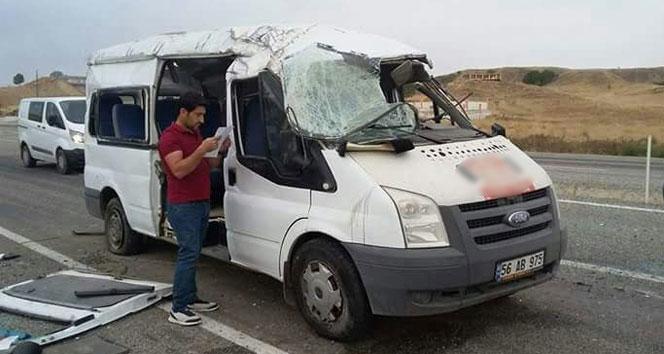 Batmanda servis aracı kaza yaptı: 13 öğrenci yaralı