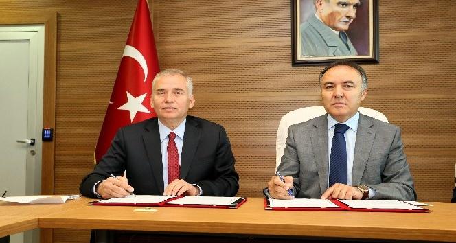 Denizli Büyükşehir ile valilik arasında sağlık yatırımı protokolü imzalandı
