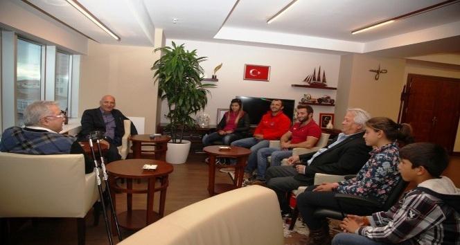 Dragos Yelken Kulübü'nden Başkan Altınok Öz'e ziyaret