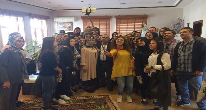 Konya Gençlik Merkezi üyelerinden Başkan Karaaslan'a ziyaret