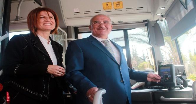 Mersin'de toplu taşıma araçlarında kredi kartı dönemi
