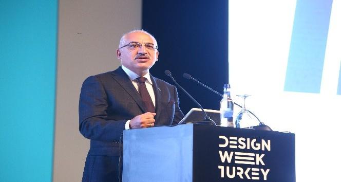 """Büyükekşi: """"Türkiye trend peşinde koşmayacak, trendlere yön verecek"""""""