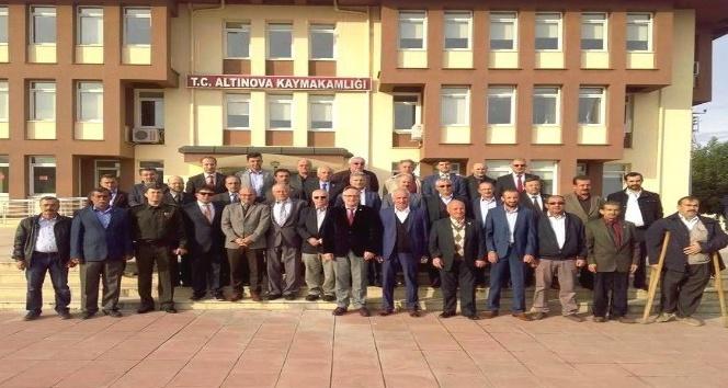 Altınova'da Muhtarlar Günü kutlandı