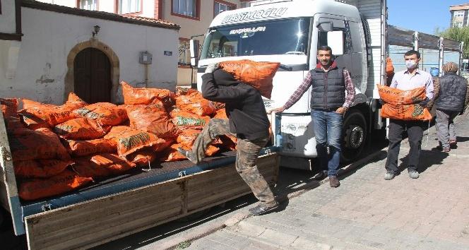 Yozgat'ta havalar soğudu kömür satışları arttı